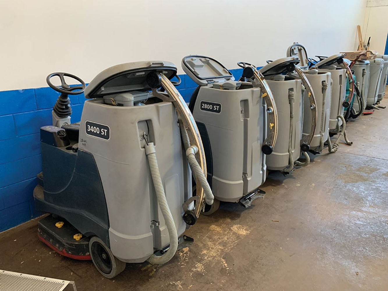 COMMERCIAL FLOOR CLEANING EQUIPMENT - TIMED - ONLINE ONLY - Forklifts, Floor Scrubbers, Carpet Extractors, Pressure Washers, Etc.