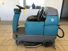 TENNANT FLOOR SCRUBBER, MODEL: T7, S/N: T7-10519882, 24-VOLT, 3,319 HOURS, WEIGHT: 1,485-LBS.