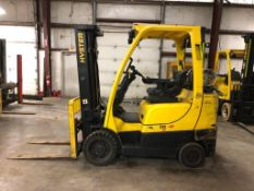 2011 HYSTER 6,000-LB., MODEL S60FT, S/N F187V18756J, LPG, LEVER SHIFT TRANSMISSION, SOLID TREADED