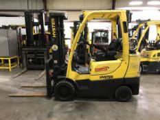 2011 HYSTER 6,000-LB. FORKLIFT, MODEL S60FT, 13,708 HOURS, 3-STAGE MAST, PNEUMATIC TIRES ON FRONT,