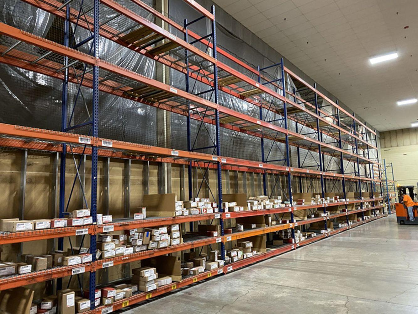KNOLL, INC. - Distribution Center - Pallet Racking, Forklifts, Turret Trucks, Hoppers