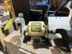 DEWALT 8'' DOUBLE-END BENCH GRINDER, 120 V.