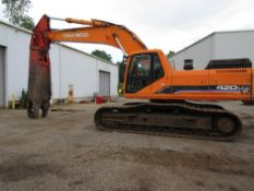 DAEWOO 420 LCV TRACK EXCAVATOR, S/N 1211, WITH LABOUNTY 3000 SHEAR, 5,139 HRS. ***OWNER GUARANTEES