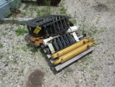 PALLET OF HYDRAULIC CYLINDERS