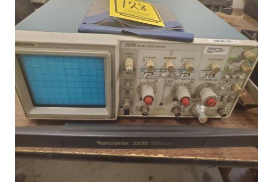 Tektronix 2235 Oscilloscope 100 Mhz S N Sp09