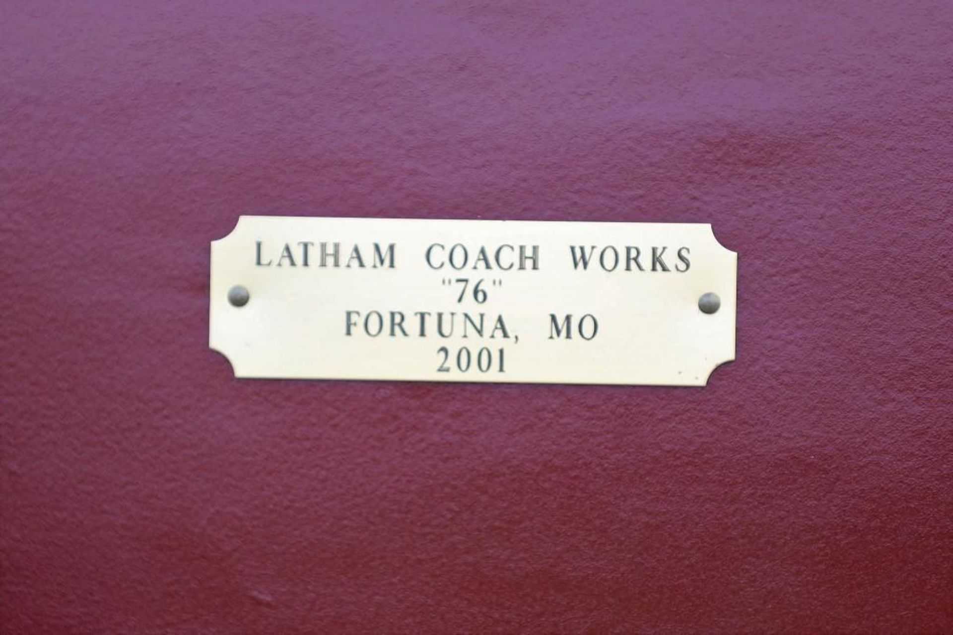 LATHAM Stagecoach, Built in Fortuna, Missouri in 2001, Mint Condition, Hooked Twice for Parades - Image 4 of 4