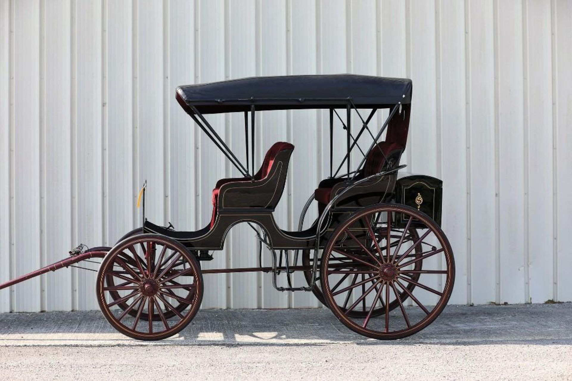 ROBERTS 2-Seat Surrey, Never Hitched