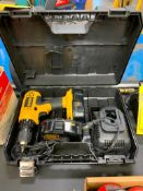DEWALT DC759 1/2'' CORDLESS DRILL, 18 V. BATTERY, CHARGER AND CASE