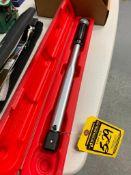 LYNDEX NIKKEN INTERCHANGEABLE TORQUE HANDLE, 30-150 FT. LBS., 1/4'' DRIVE