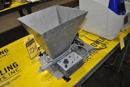 TABLE MOUNT STAINLESS STEEL SINGLE SCREW FEEDER, W/ B&B SA-12 MOTOR SPEED CONTROL