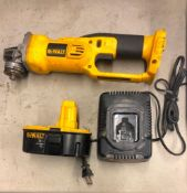 DEWALT CORDLESS 1/4'' HEAVY DUTY CUT-OFF TOOL, MODEL DC411, W/ (1) BATTERY AND CHARGER