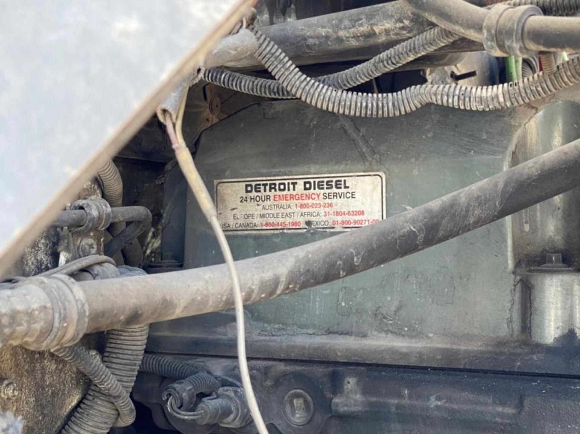 Tractocamión Marca FREIGHTLINER FLD-120, Modelo 1999 - Image 18 of 28