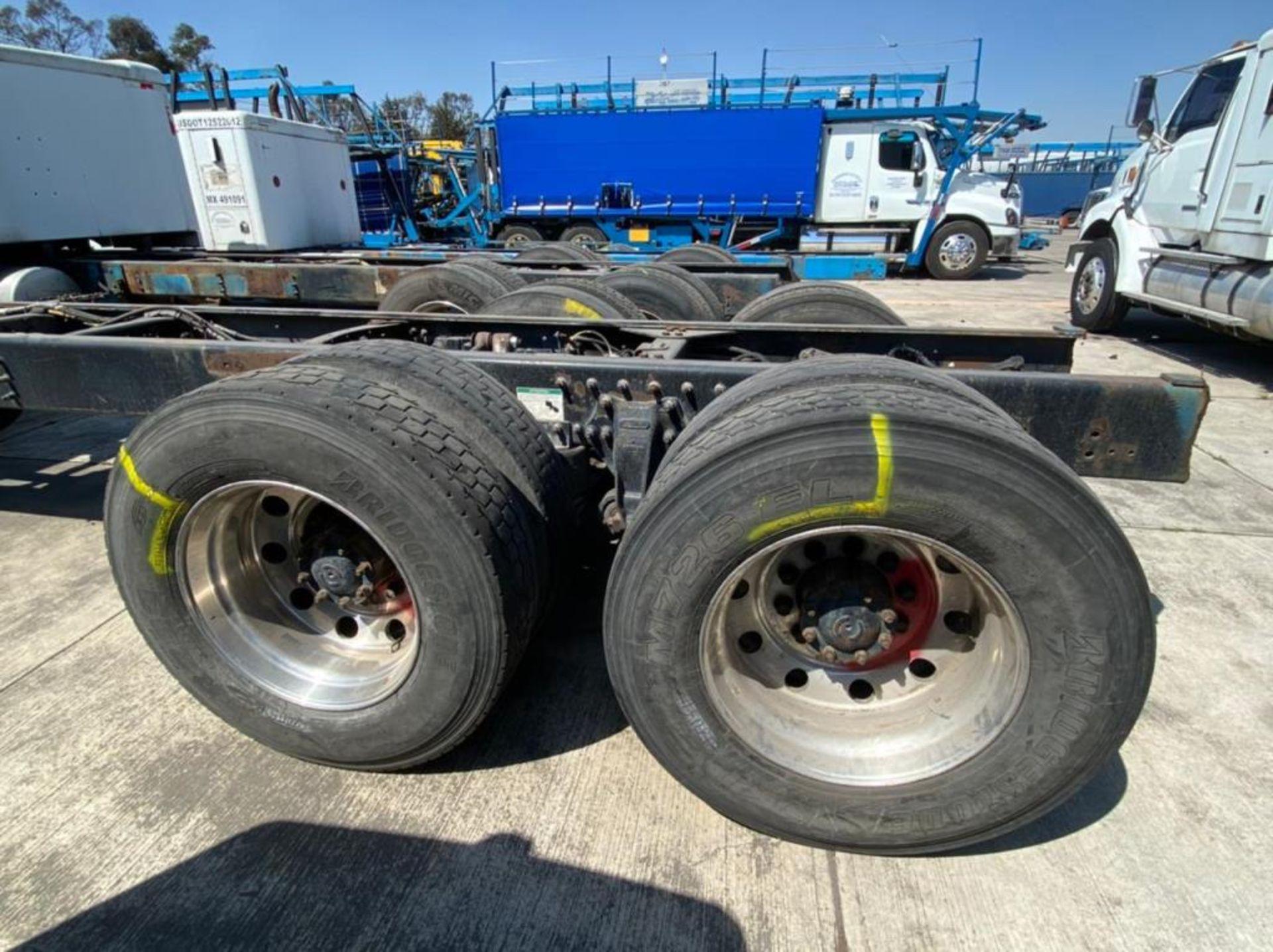 Tractocamión Marca STERLING, LT9500, Modelo 2001 - Image 13 of 27