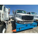 Tractocamión Marca STERLING, LT9500 Chassis, Modelo 2001