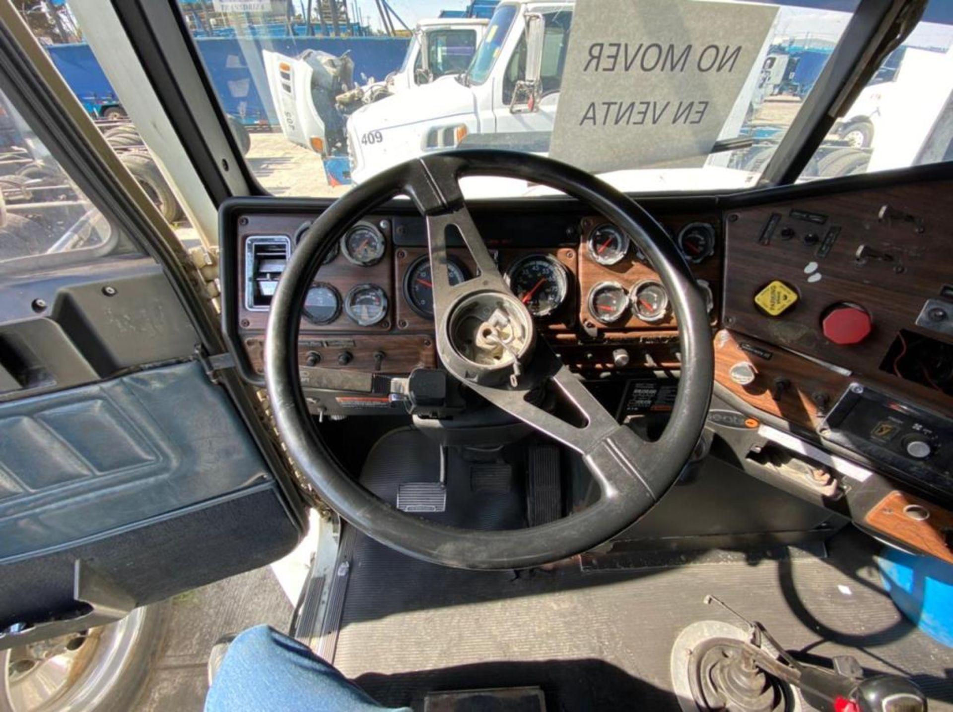 Tractocamión Marca FREIGHTLINER Fld-120, Modelo 1999 - Image 30 of 35