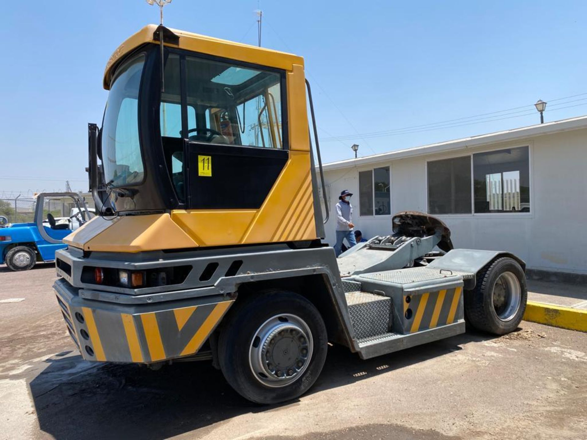 Terberg Capacity 2002 Terminal Tractor, automatic transmission, with Volvo motor - Image 8 of 57