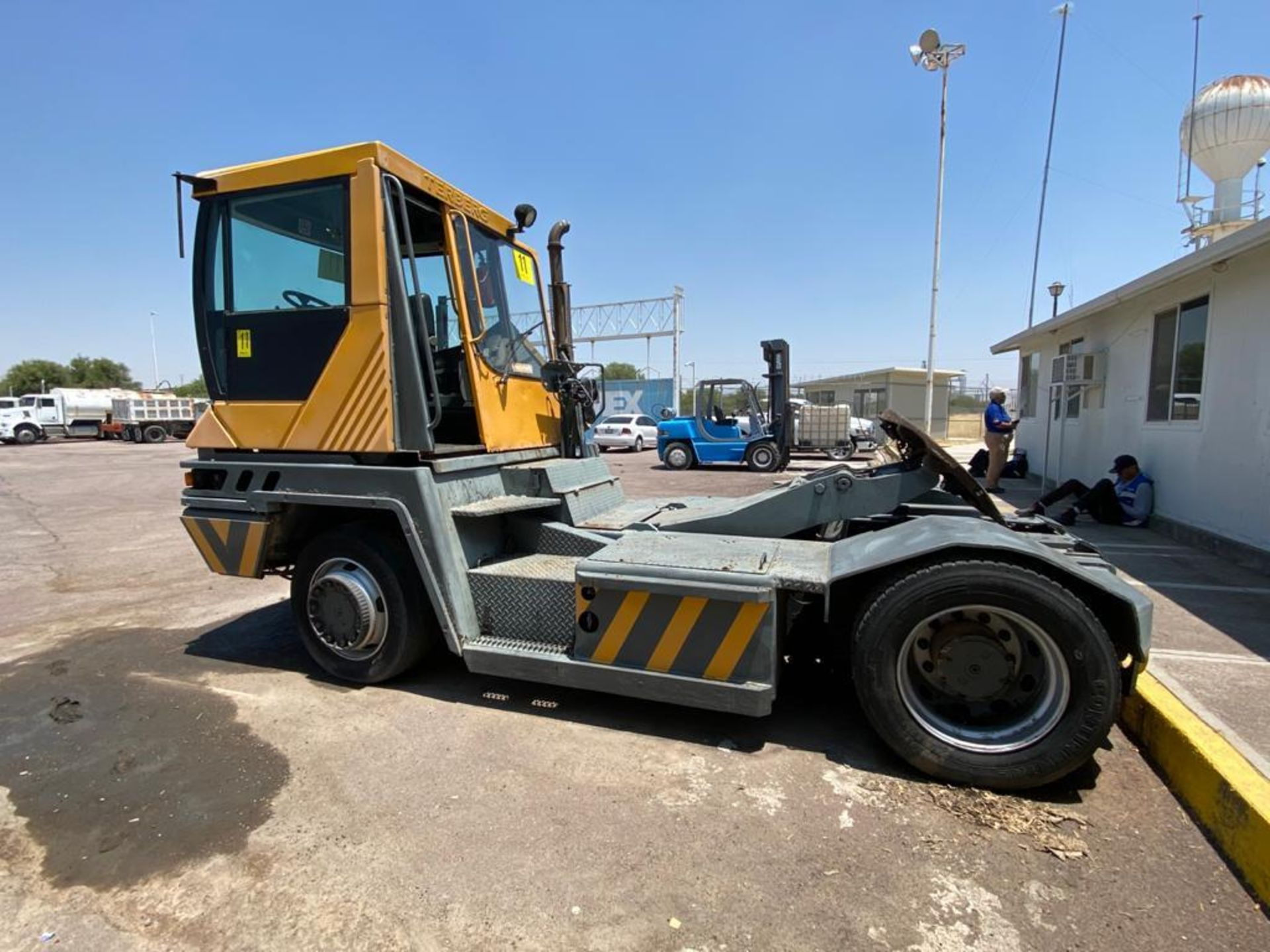 Terberg Capacity 2002 Terminal Tractor, automatic transmission, with Volvo motor - Image 18 of 57
