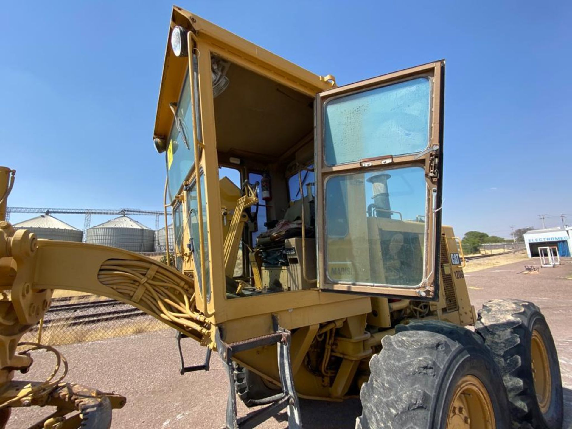 Caterpillar 120G Motor Grader, Serial number 87V09646, Motor number PQ883-2/07Z28983 - Image 34 of 61