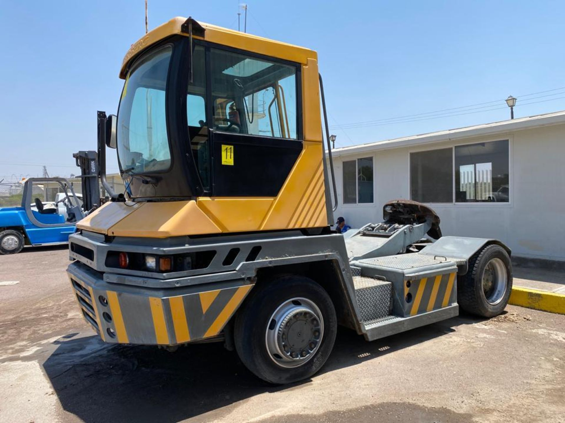 Terberg Capacity 2002 Terminal Tractor, automatic transmission, with Volvo motor - Image 7 of 57