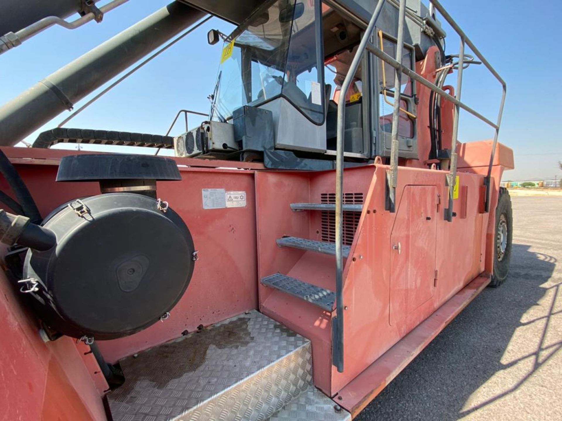 Reach Stacker marca Kalmar, año 2004, modelo DRS4531-55, No de serie T341140079 - Image 30 of 57