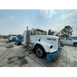 1998 Kenworth Sleeper truck tractor, standard transmission of 18 speeds