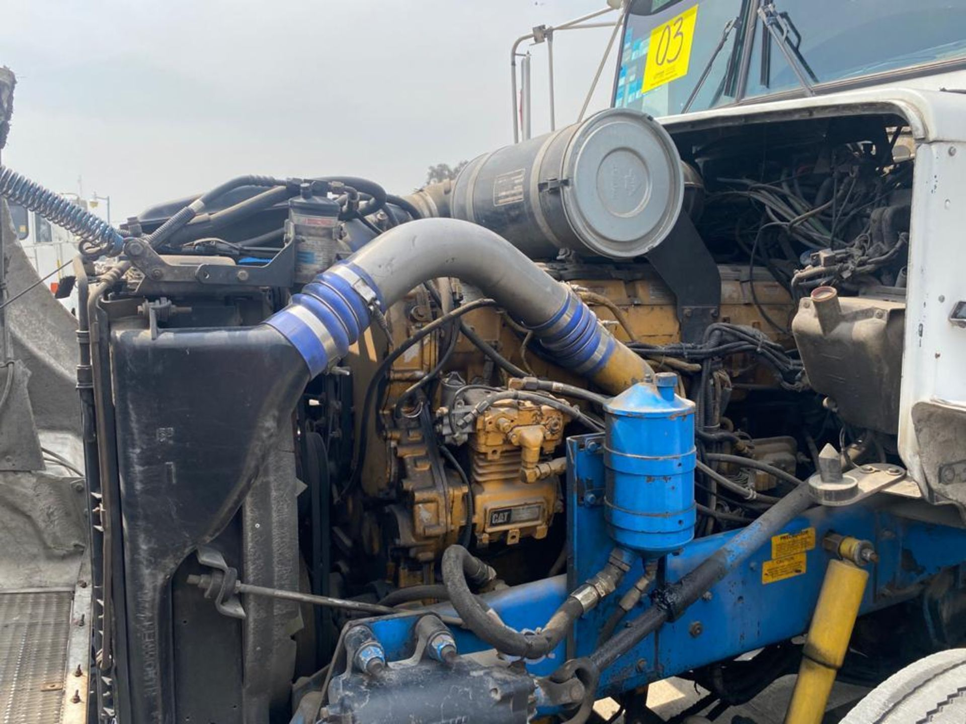 1999 Kenworth Sleeper truck tractor, standard transmission of 18 speeds - Image 59 of 62