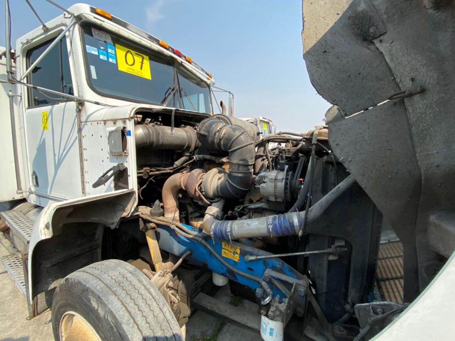 1999 Kenworth Sleeper truck tractor, standard transmission of 18 speeds - Image 58 of 72