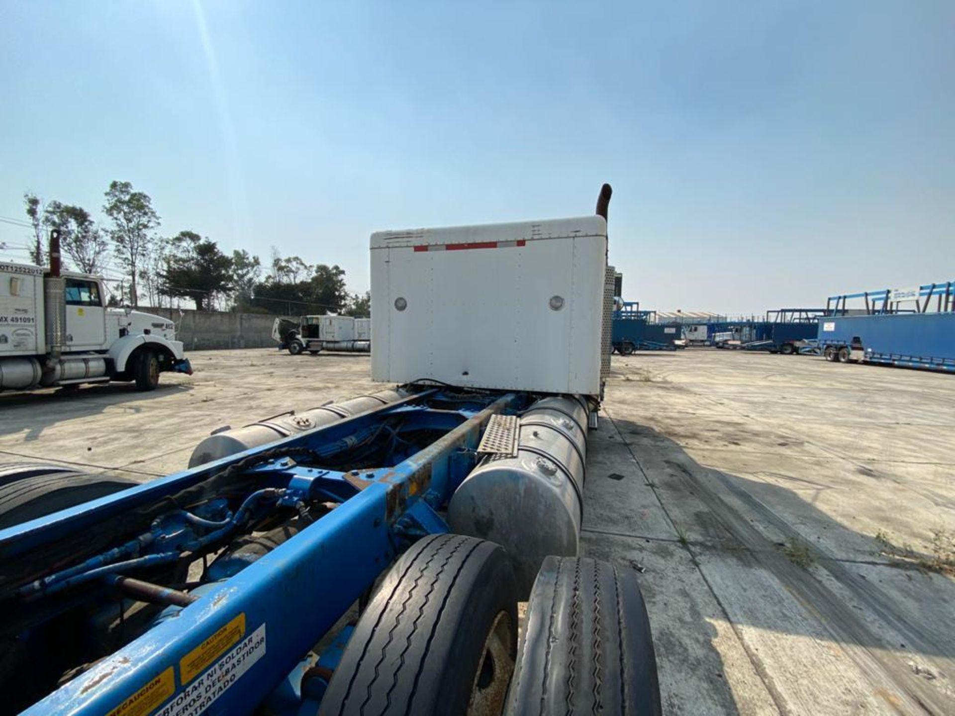 1999 Kenworth Sleeper truck tractor, standard transmission of 18 speeds - Image 28 of 75