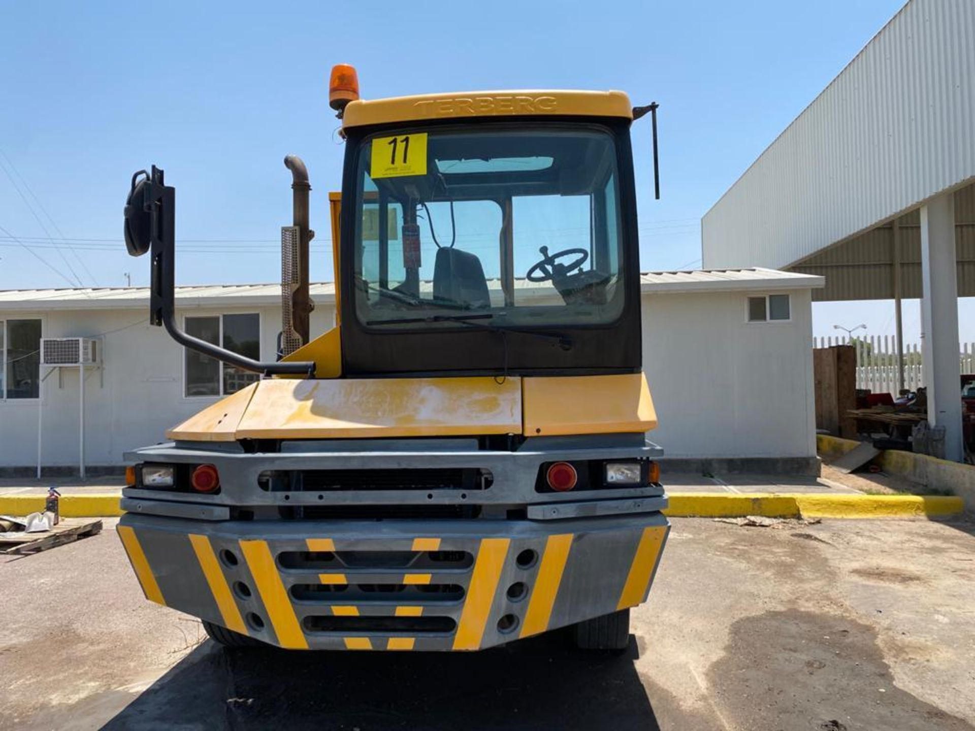 Terberg Capacity 2002 Terminal Tractor, automatic transmission, with Volvo motor - Image 3 of 57