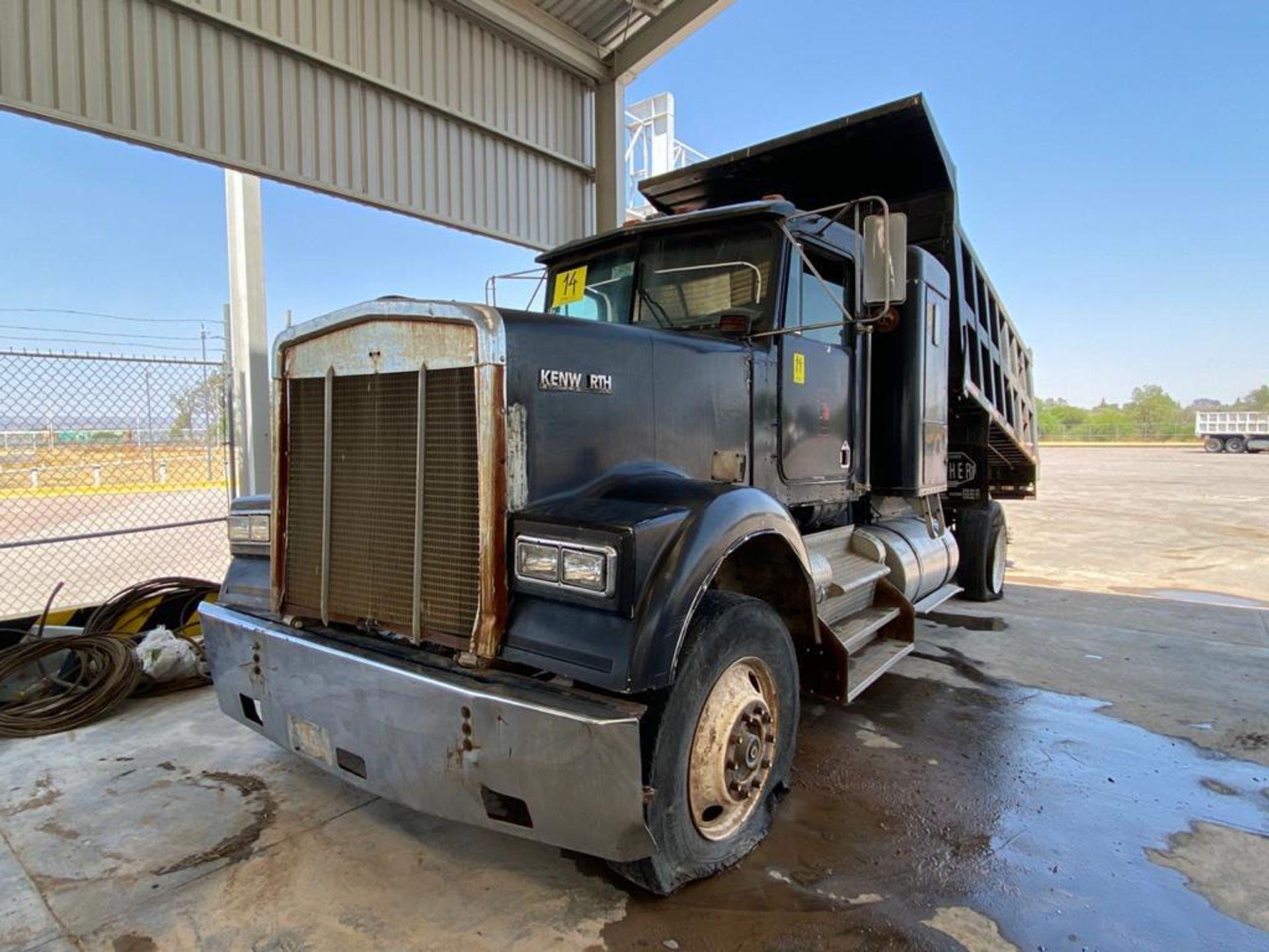 1983 Kenworth Dump Truck, standard transmission of 10 speeds, with Cummins motor - Image 5 of 68