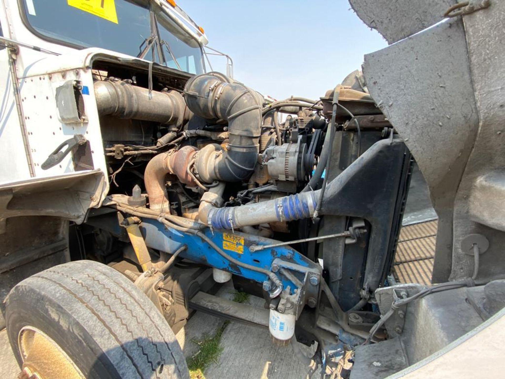 1999 Kenworth Sleeper truck tractor, standard transmission of 18 speeds - Image 62 of 72