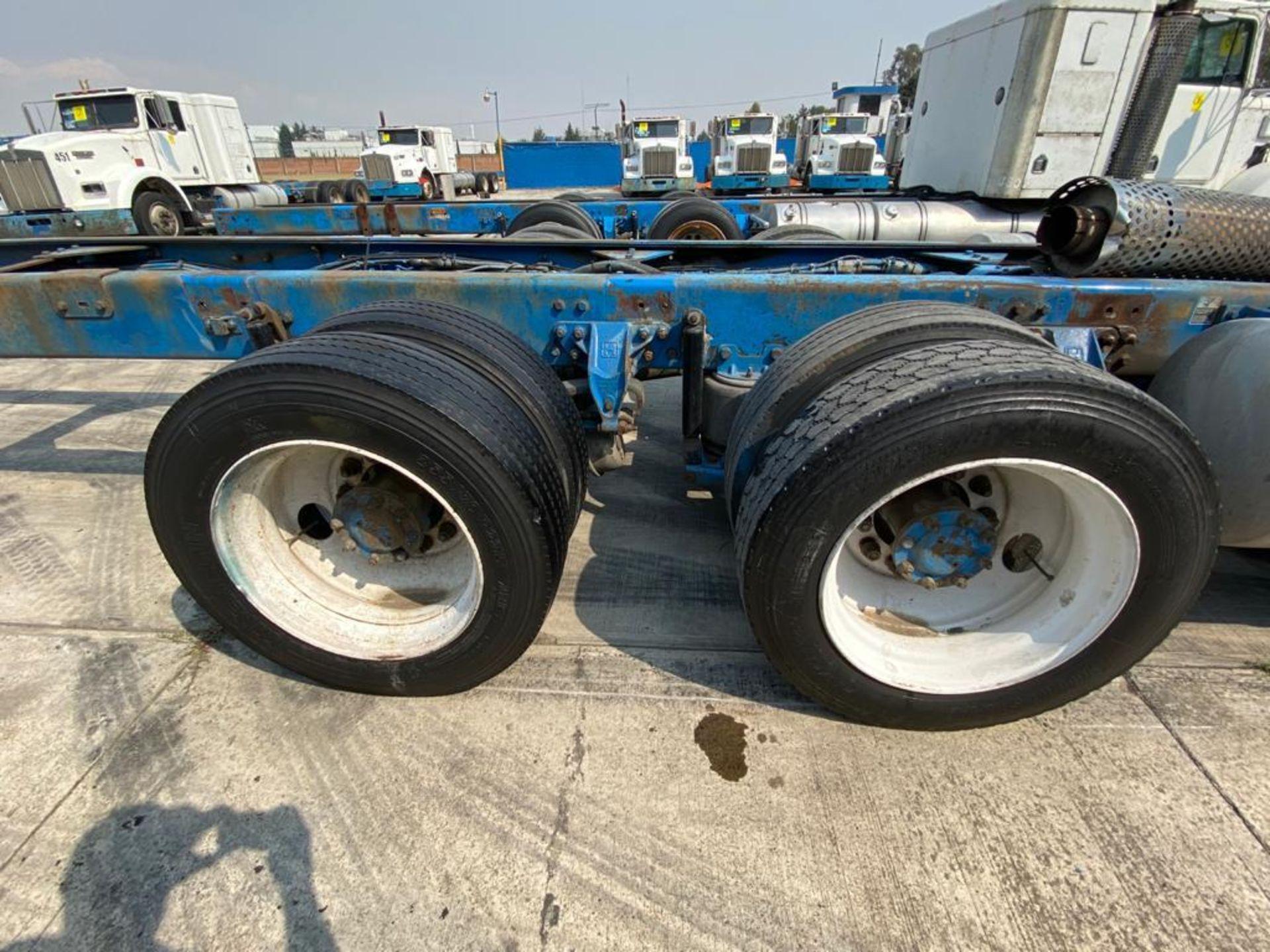 1999 Kenworth Sleeper truck tractor, standard transmission of 18 speeds - Image 23 of 72