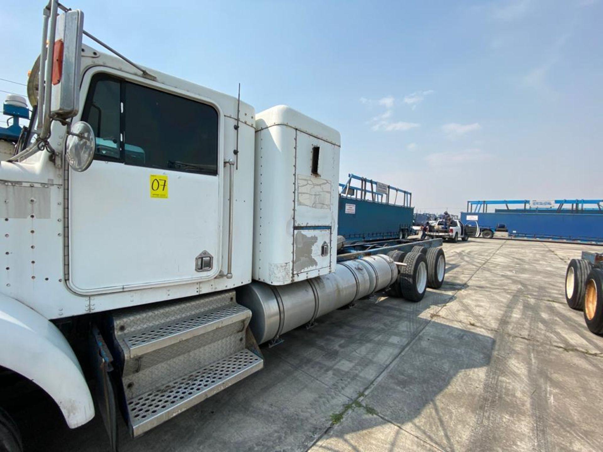 1999 Kenworth Sleeper truck tractor, standard transmission of 18 speeds - Image 10 of 72