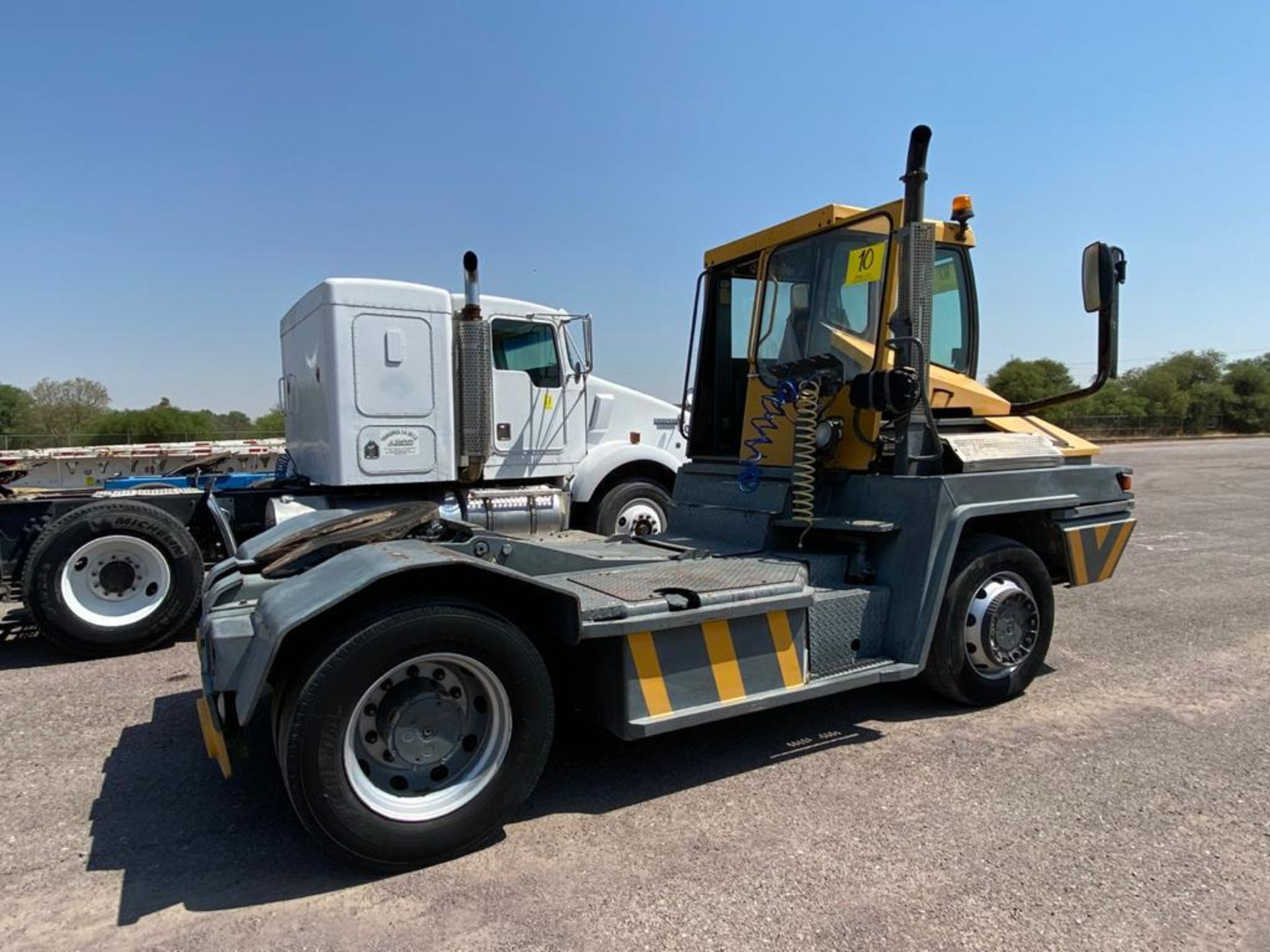 Terberg Capacity 2002 Terminal Tractor, automatic transmission, with Volvo motor - Image 5 of 28