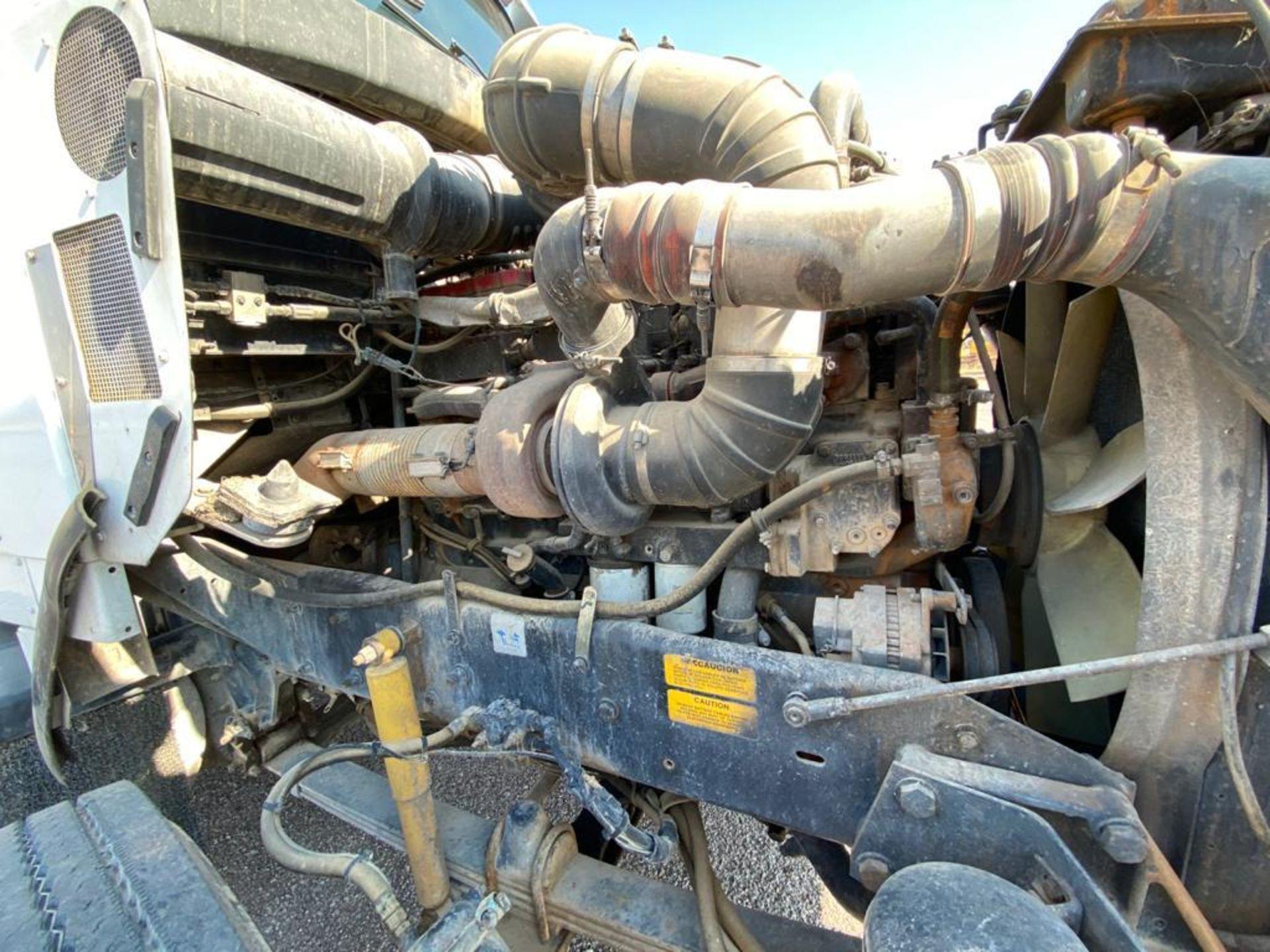 1998 Kenworth Sleeper Truck Tractor, standard transmission of 18 speeds - Image 48 of 55