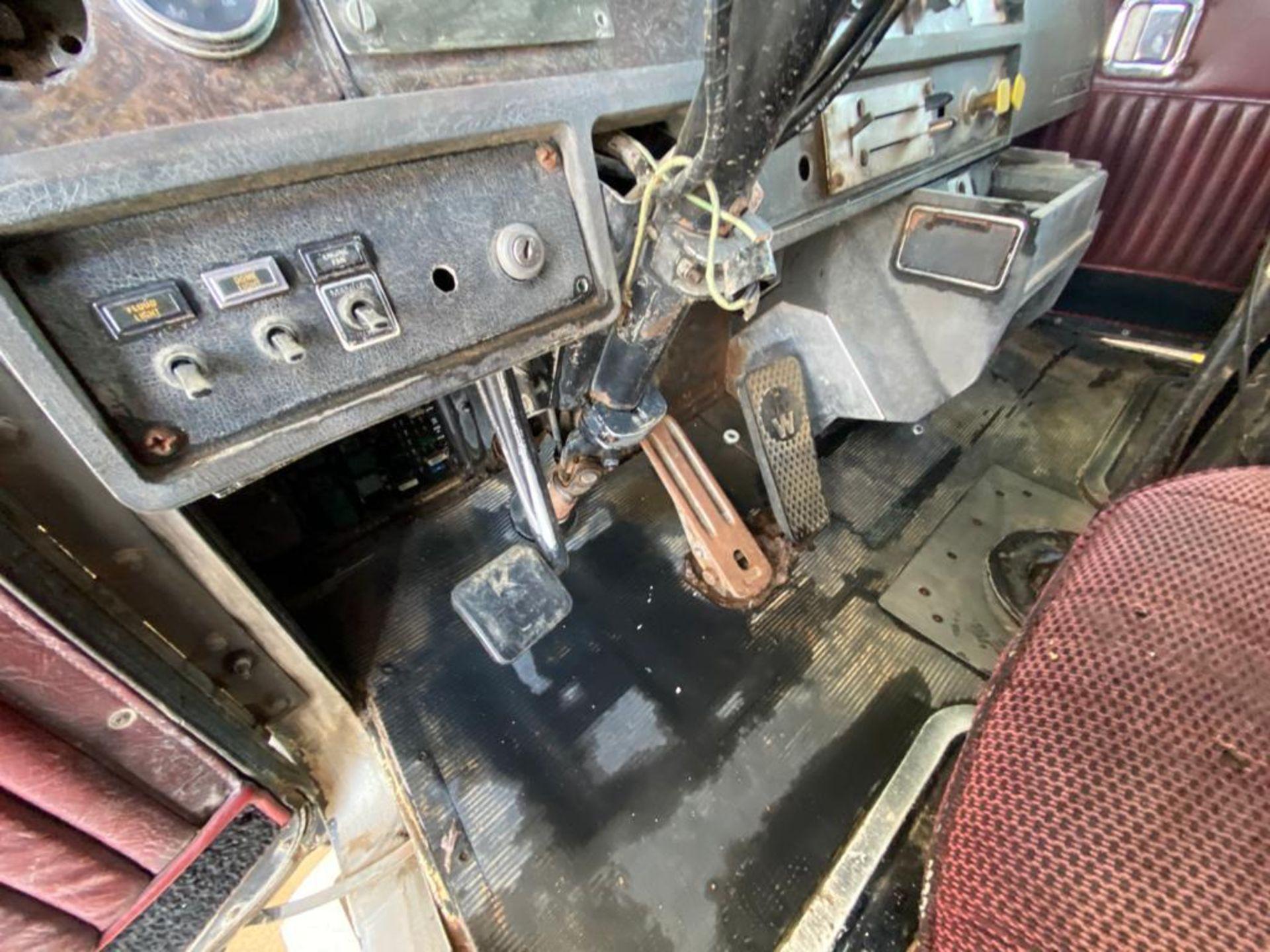 1983 Kenworth Dump Truck, standard transmission of 10 speeds, with Cummins motor - Image 30 of 68