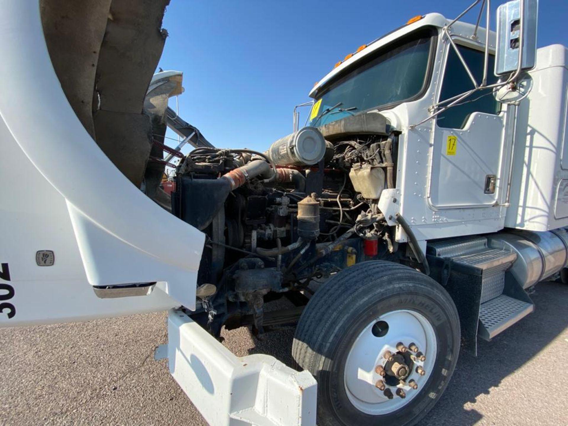 1998 Kenworth Sleeper Truck Tractor, standard transmission of 18 speeds - Image 42 of 55