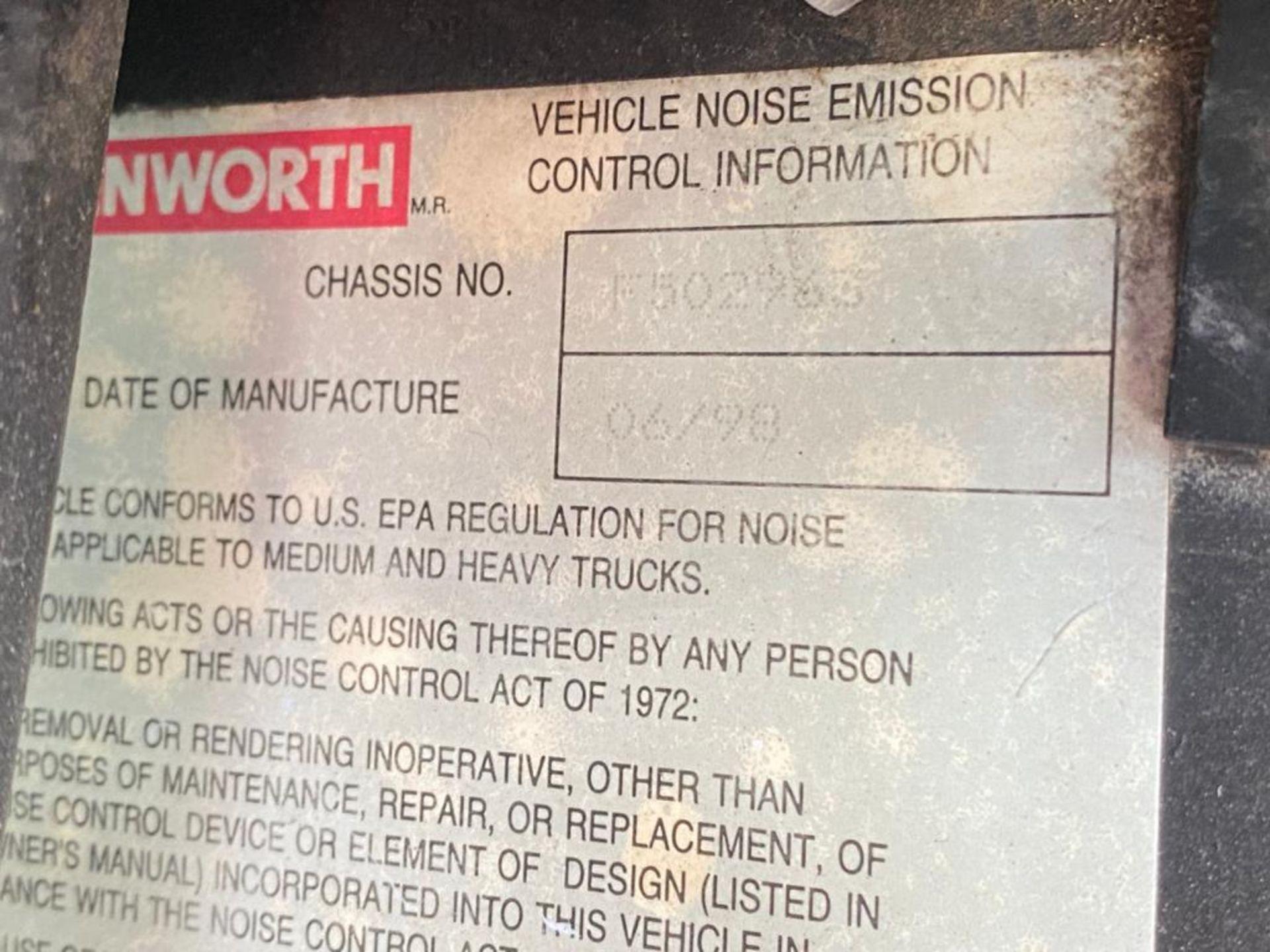 1999 Kenworth Sleeper truck tractor, standard transmission of 18 speeds - Image 43 of 62