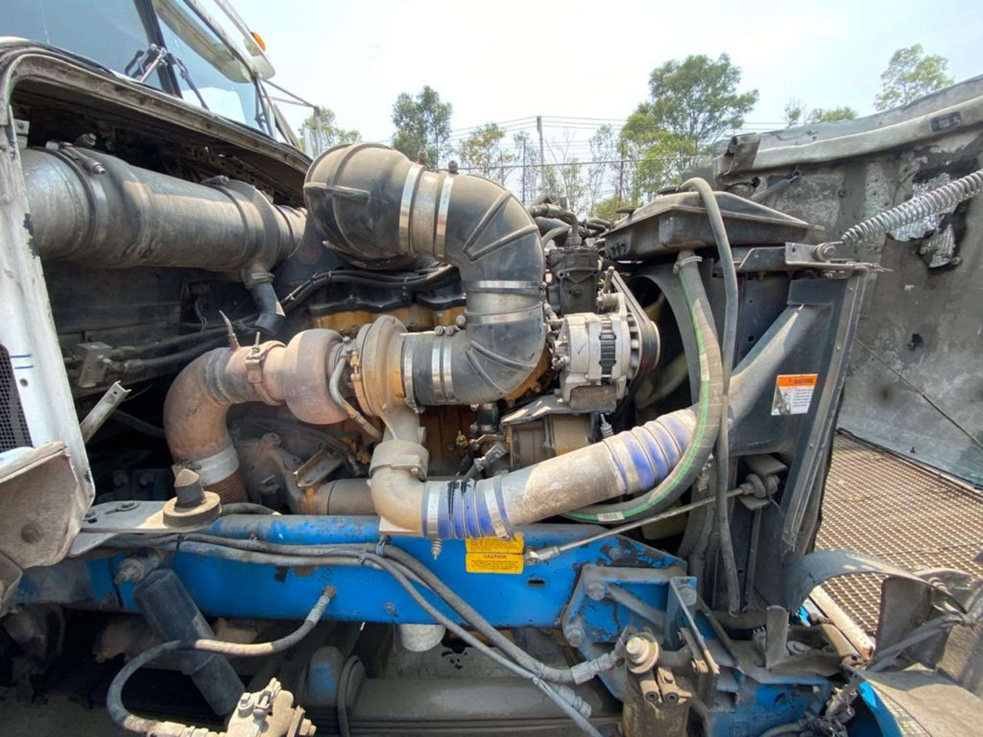 1999 Kenworth Sleeper truck tractor, standard transmission of 18 speeds - Image 62 of 70