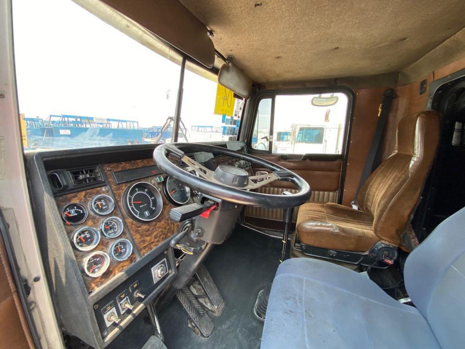 1999 Kenworth Sleeper truck tractor, standard transmission of 18 speeds - Image 44 of 70