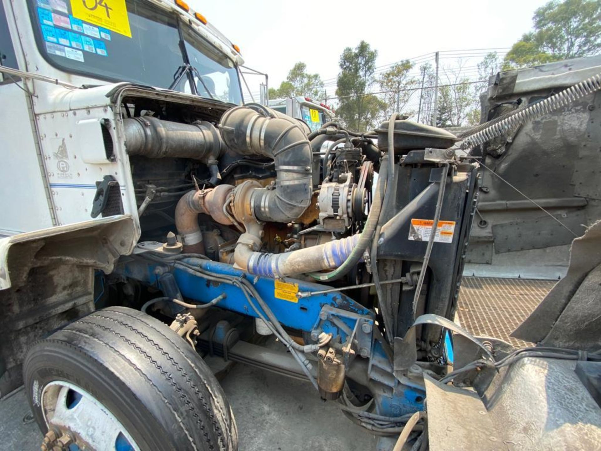 1999 Kenworth Sleeper truck tractor, standard transmission of 18 speeds - Image 61 of 70
