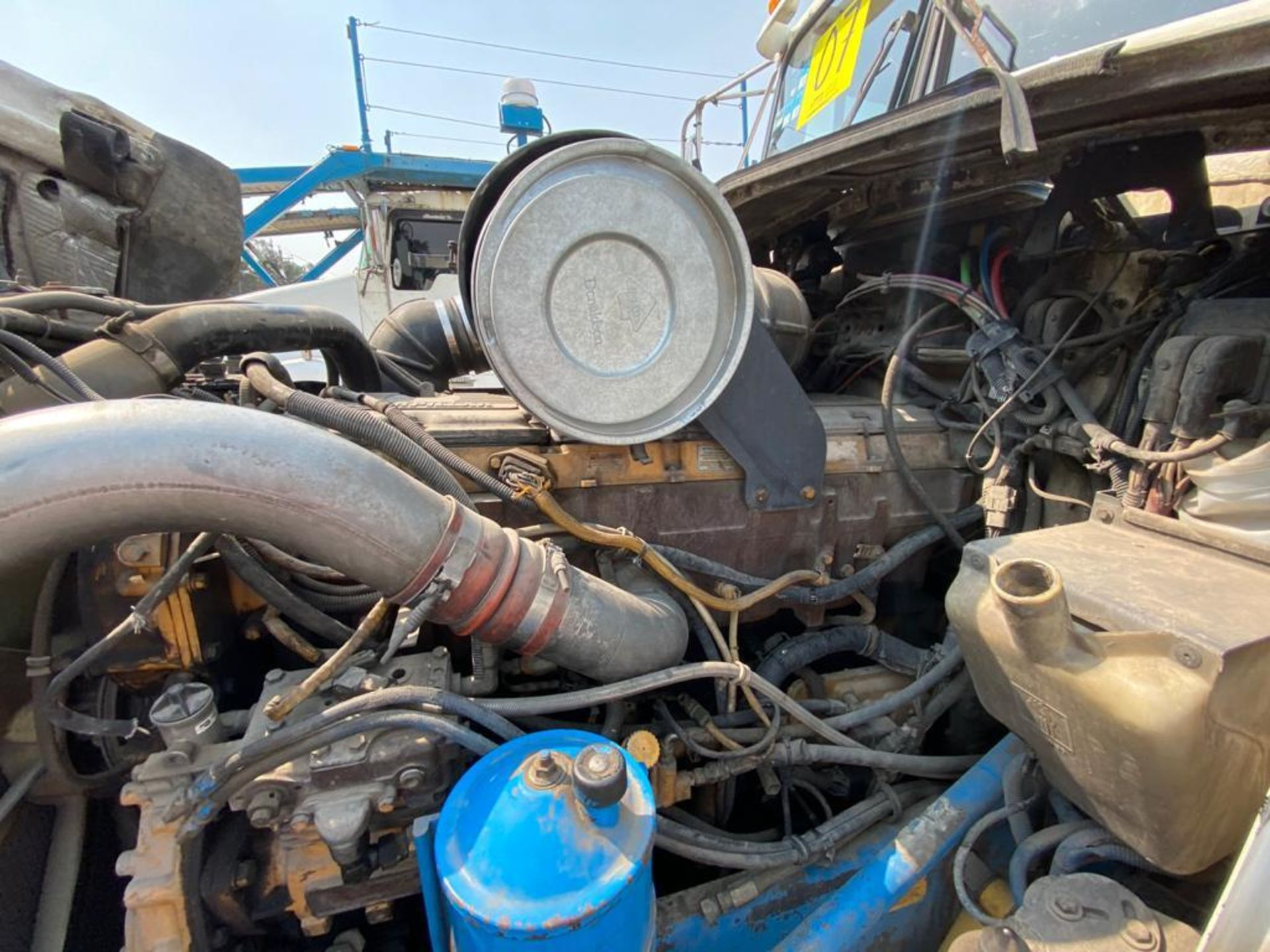 1999 Kenworth Sleeper truck tractor, standard transmission of 18 speeds - Image 70 of 72