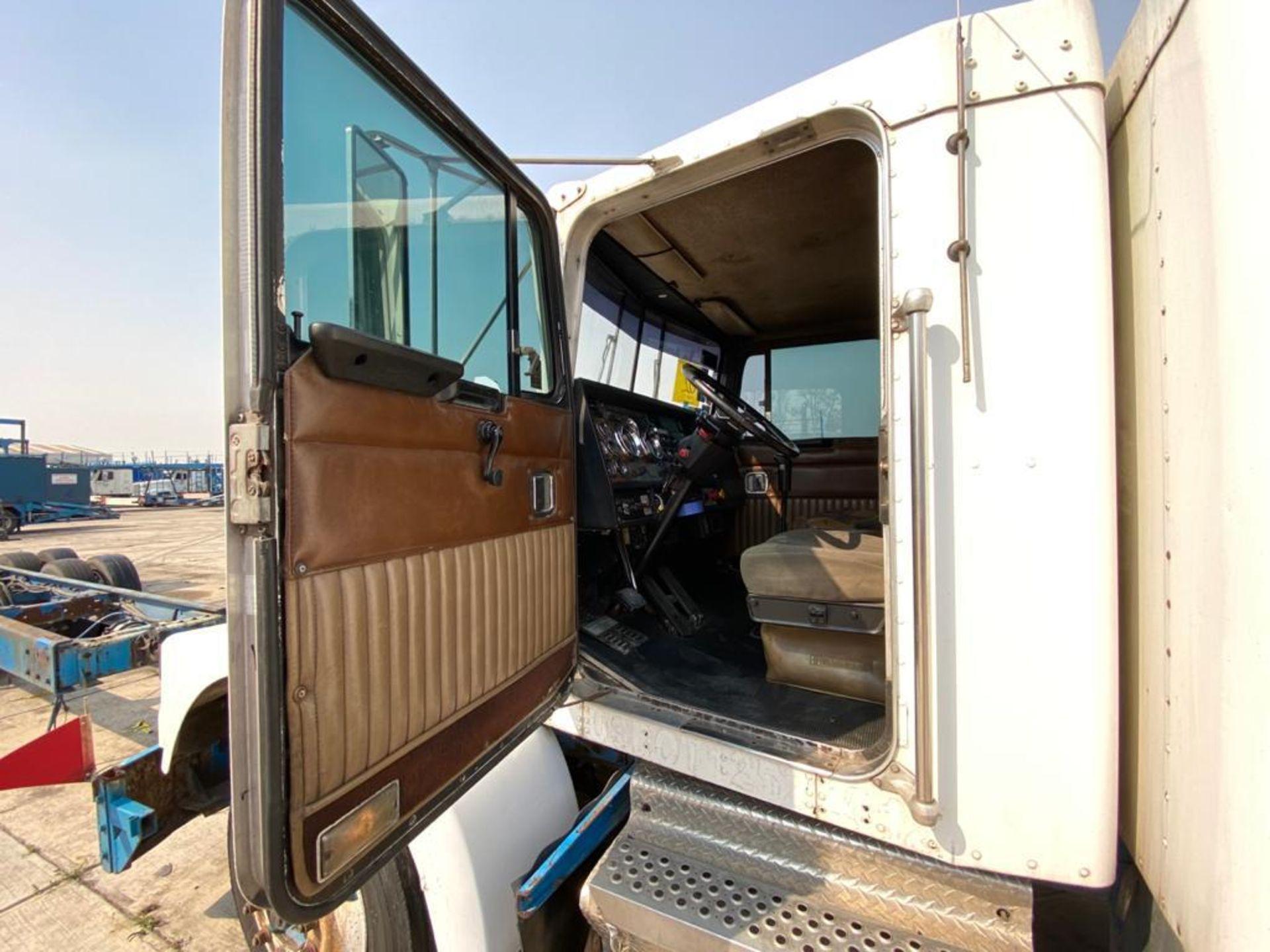 1999 Kenworth Sleeper truck tractor, standard transmission of 18 speeds - Image 55 of 75