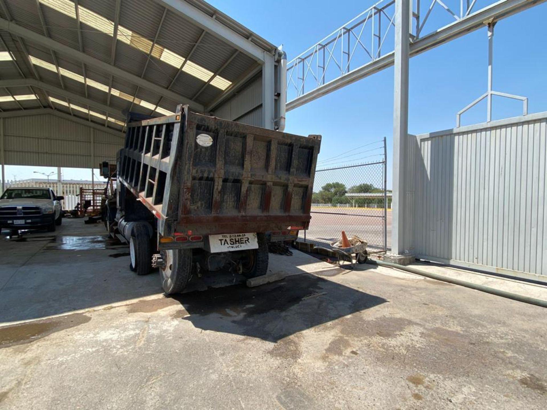 1983 Kenworth Dump Truck, standard transmission of 10 speeds, with Cummins motor - Image 11 of 68