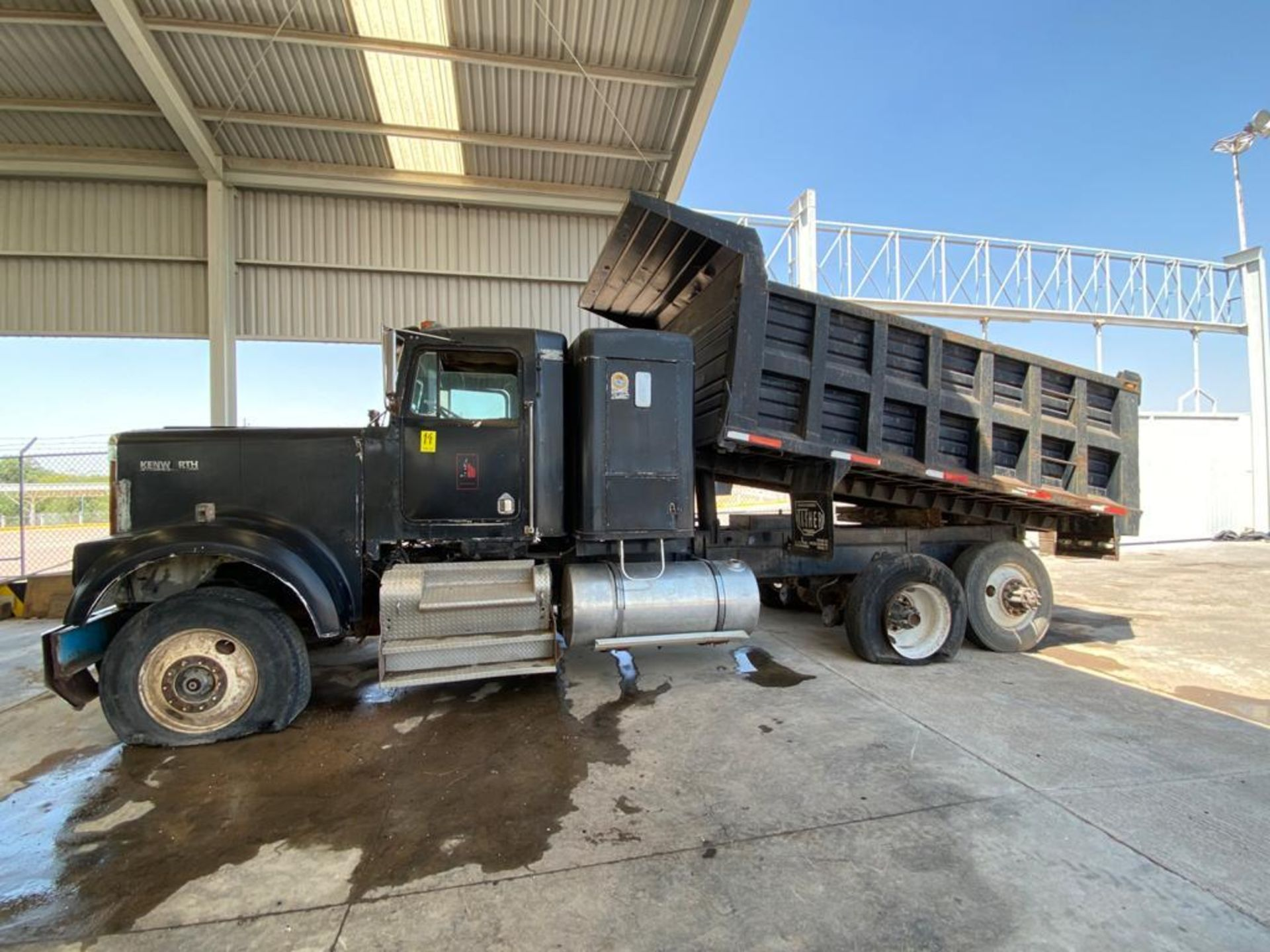 1983 Kenworth Dump Truck, standard transmission of 10 speeds, with Cummins motor - Image 8 of 68