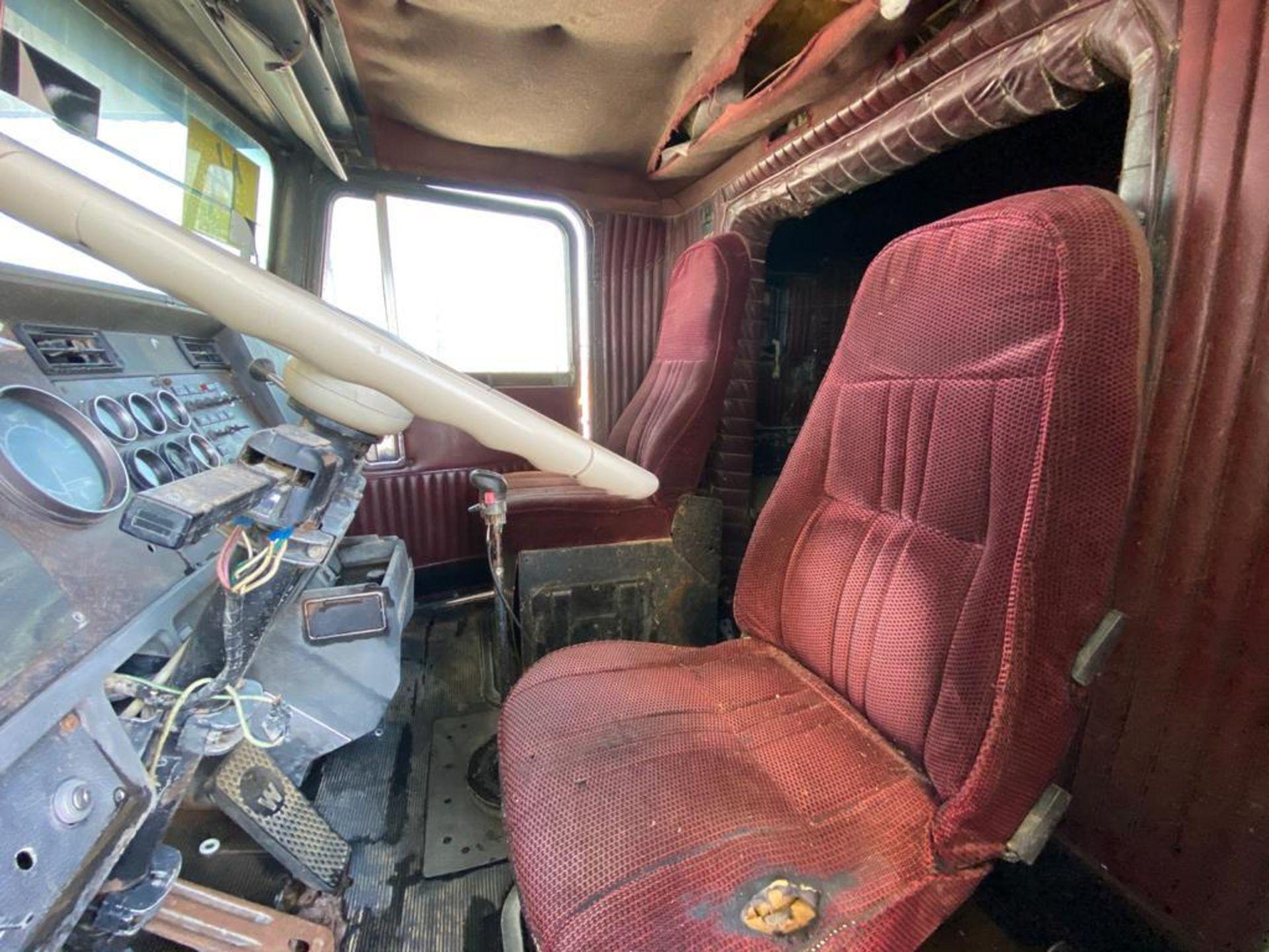 1983 Kenworth Dump Truck, standard transmission of 10 speeds, with Cummins motor - Image 32 of 68