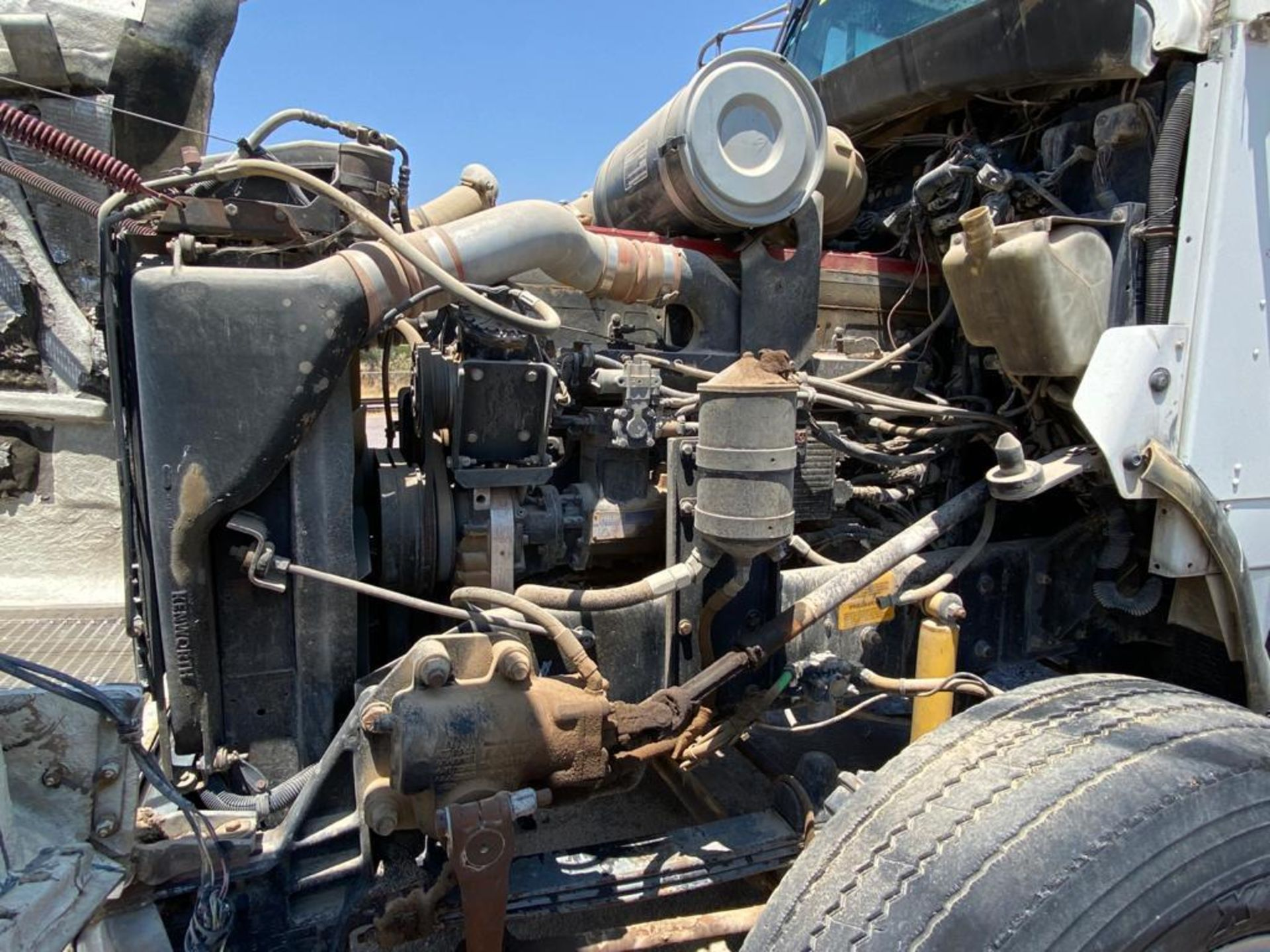 1998 Kenworth 5000 Gallon, standard transmission of 16 speeds - Image 53 of 68