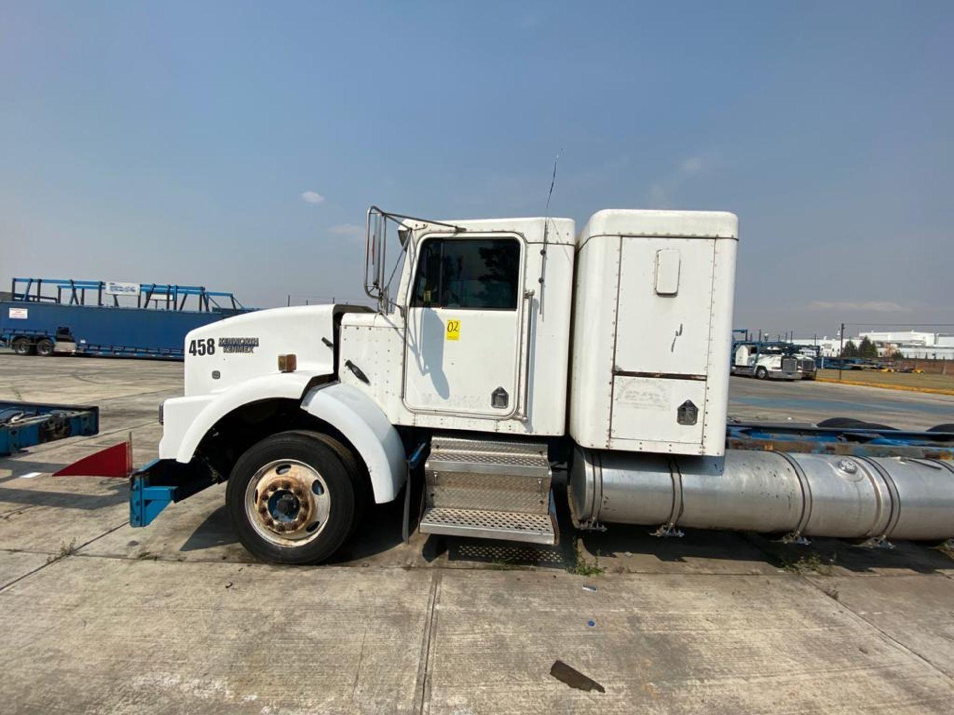 1999 Kenworth Sleeper truck tractor, standard transmission of 18 speeds - Image 11 of 75