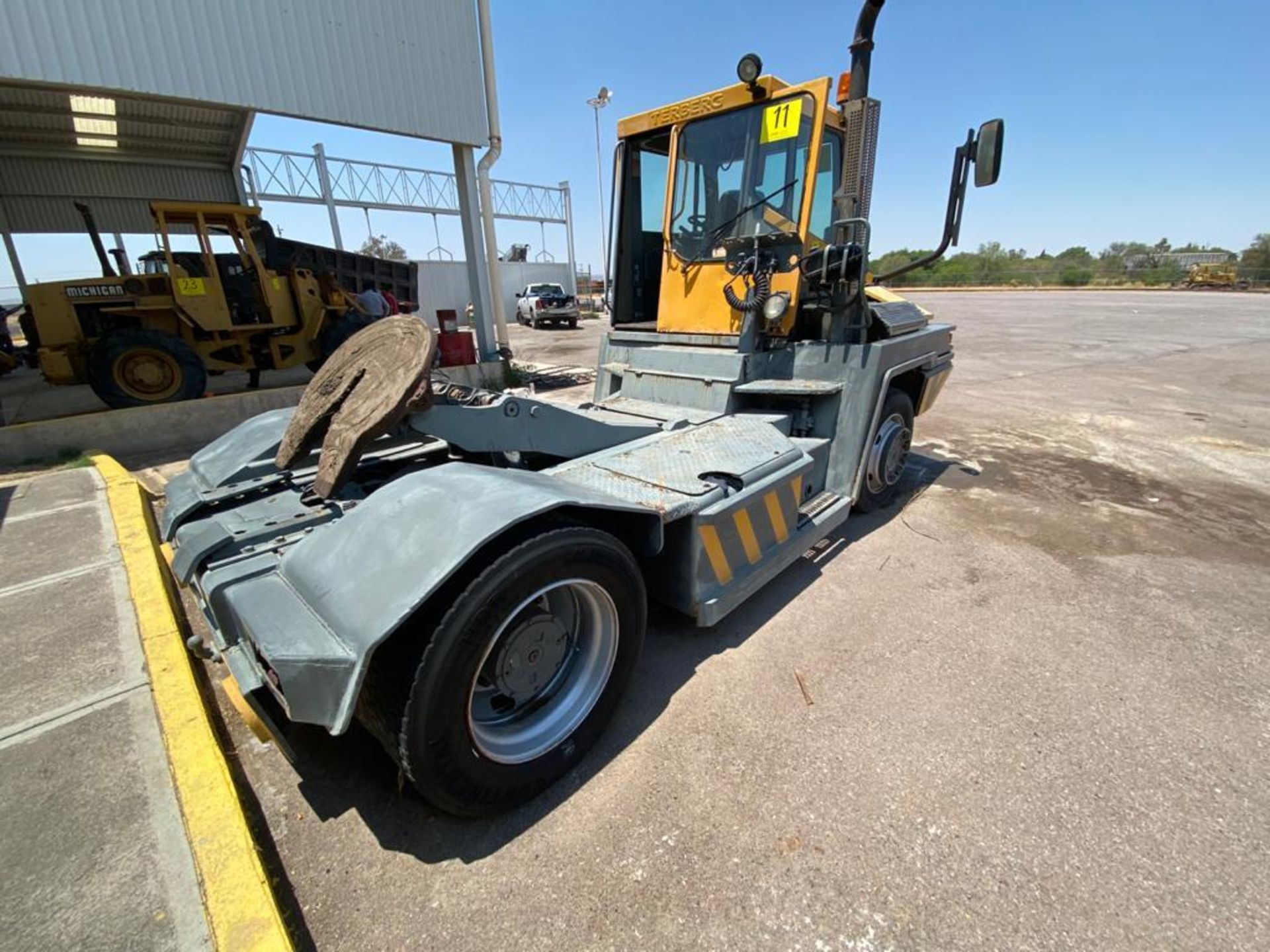 Terberg Capacity 2002 Terminal Tractor, automatic transmission, with Volvo motor - Image 15 of 57
