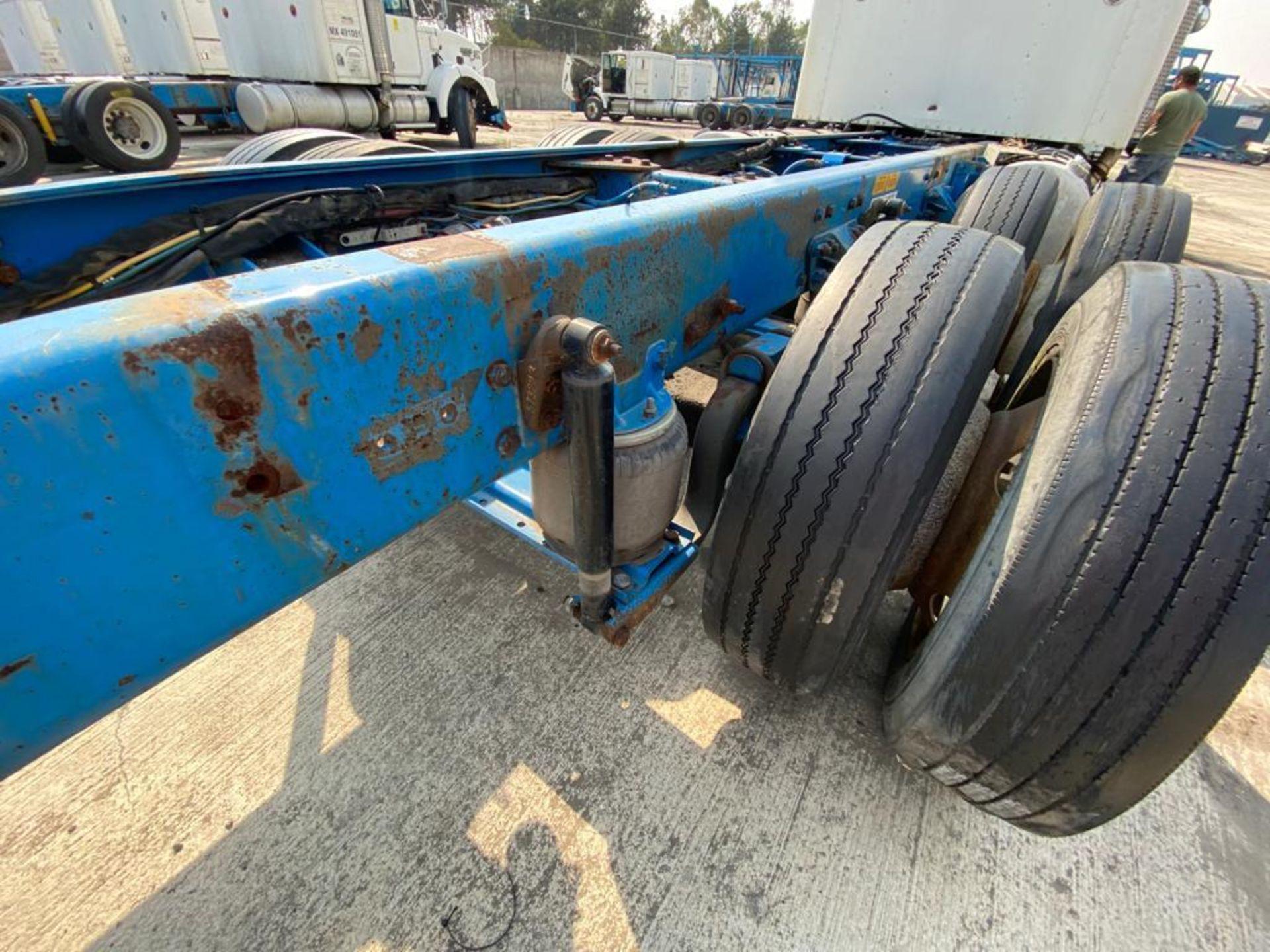 1999 Kenworth Sleeper truck tractor, standard transmission of 18 speeds - Image 23 of 75